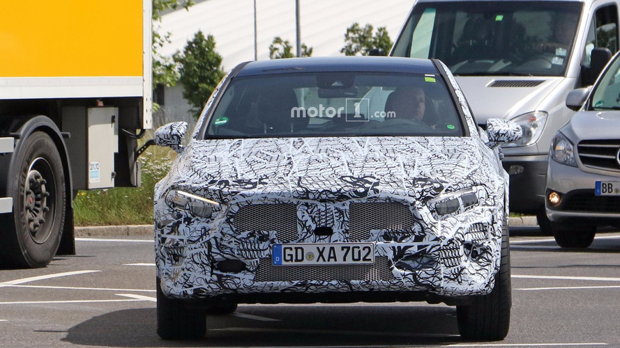 2019 Mercedes GLA new spy photos