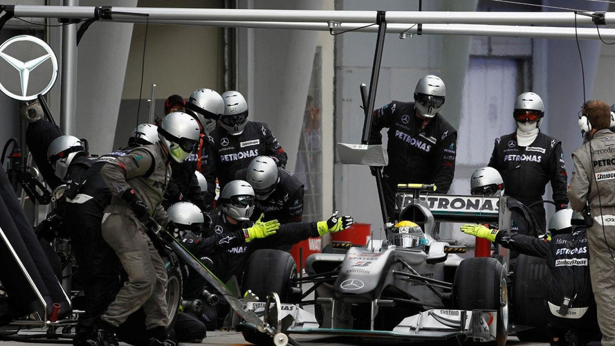 Mercedes pit crew fastest in 2010 - analysis