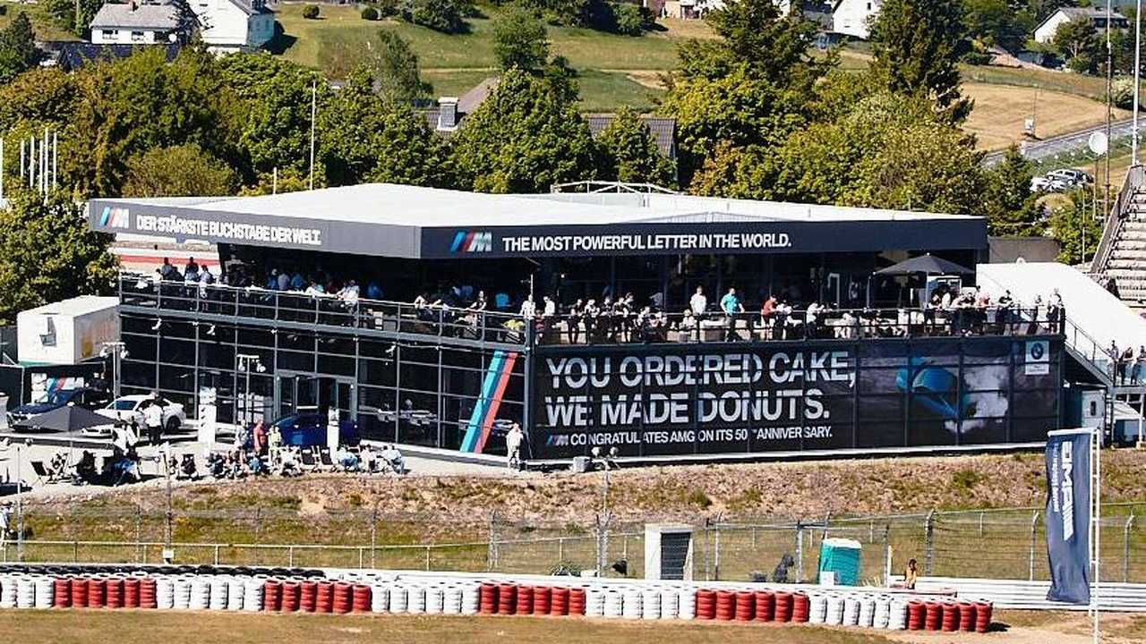 BMW, Mercedes AMG'nin 50'inci yılını kutladı
