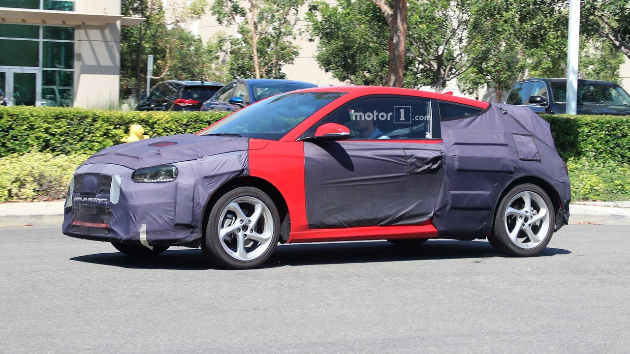 2019 hyundai veloster sheds some camo shows off new lines. Black Bedroom Furniture Sets. Home Design Ideas