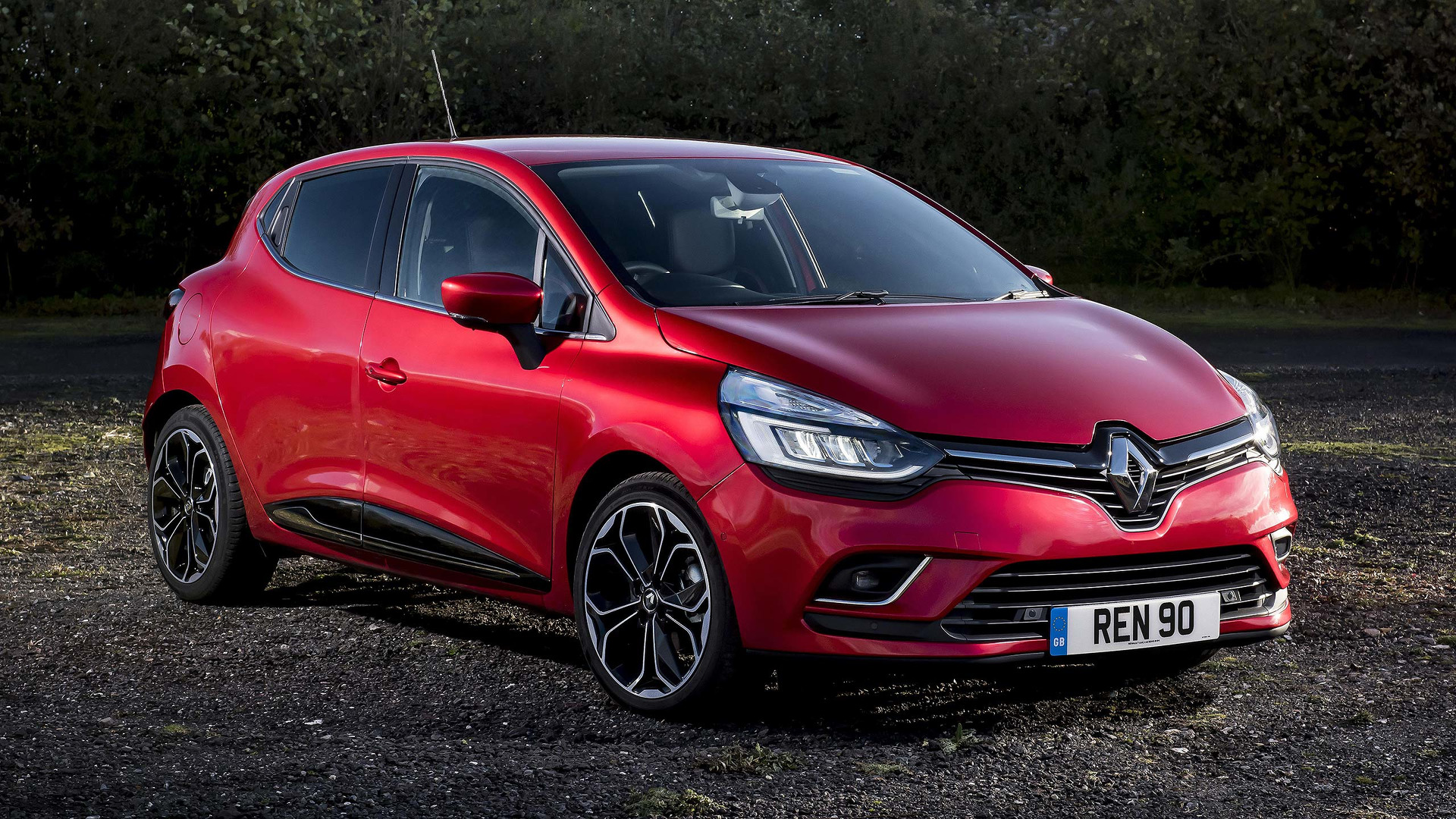 2017 Renault Clio Review | Top Gear