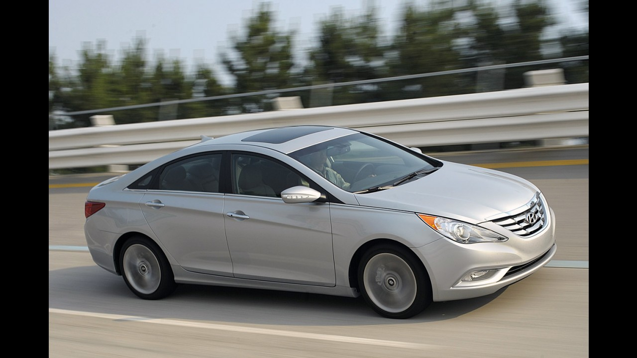 Hyundai Sonata sofrerá sua primeira reestilização em 2014