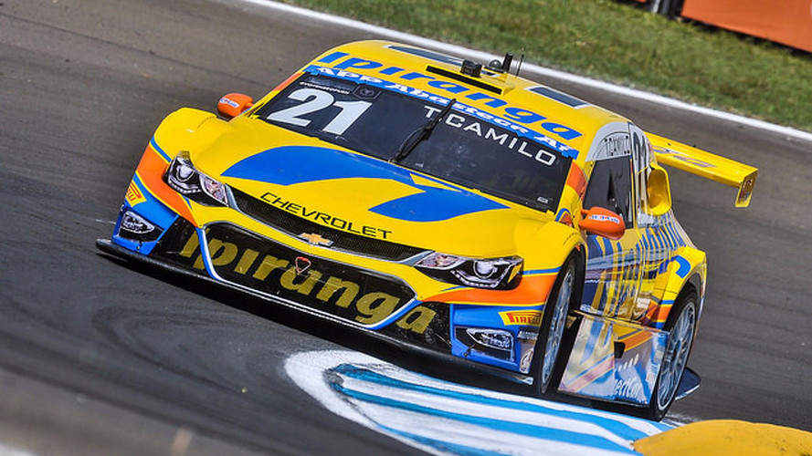 Camilo crava a pole position em Londrina