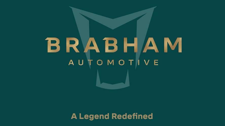 Mozgásban a Brabham bemutatás előtt álló sportautója