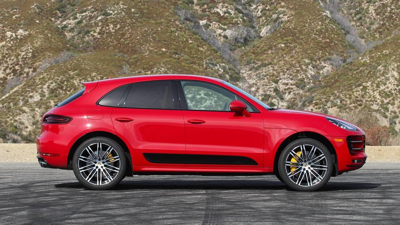 2018 Porsche Macan Turbo: Review photo