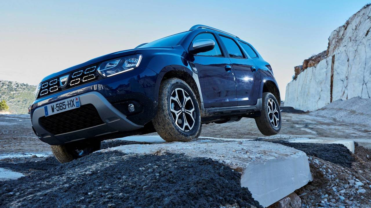 2018 dacia duster goes official with evolutionary design. Black Bedroom Furniture Sets. Home Design Ideas
