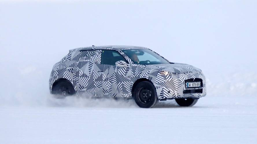 New SUV version of DS 3 spotted for the first time