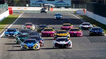 #9 Team Marc VDS Renault RS01: Markus Palttala, Fabian Schiller lead at the start