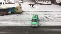 Tempestade de neve causa caos em Montreal