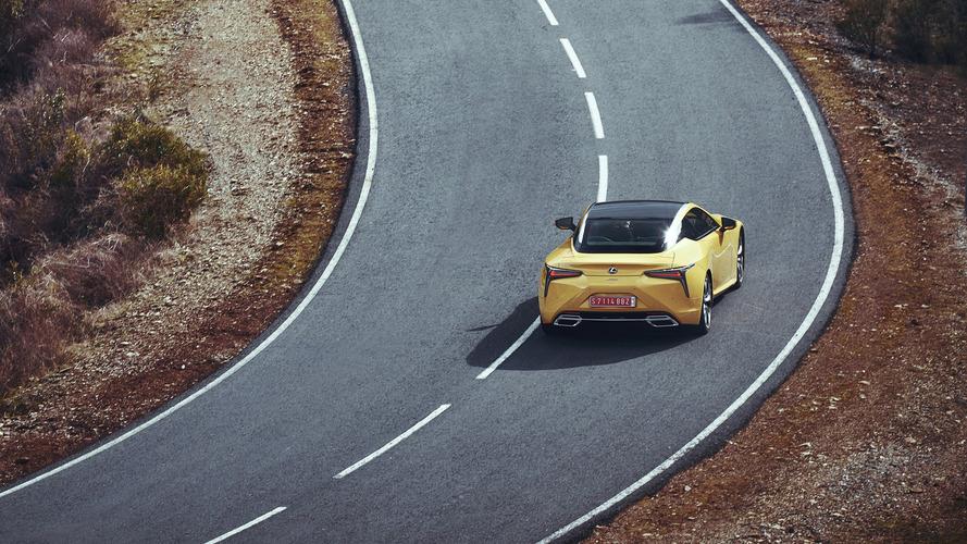 Nyitott tetős változat készülhet a Lexus LC modelljeiből