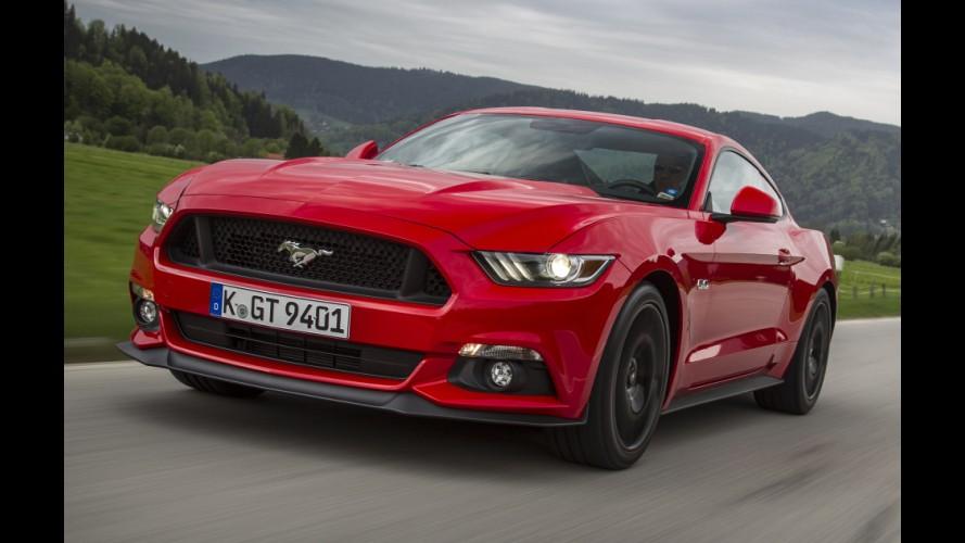 Rivais históricos, Camaro e Mustang usarão o mesmo câmbio de 10 marchas