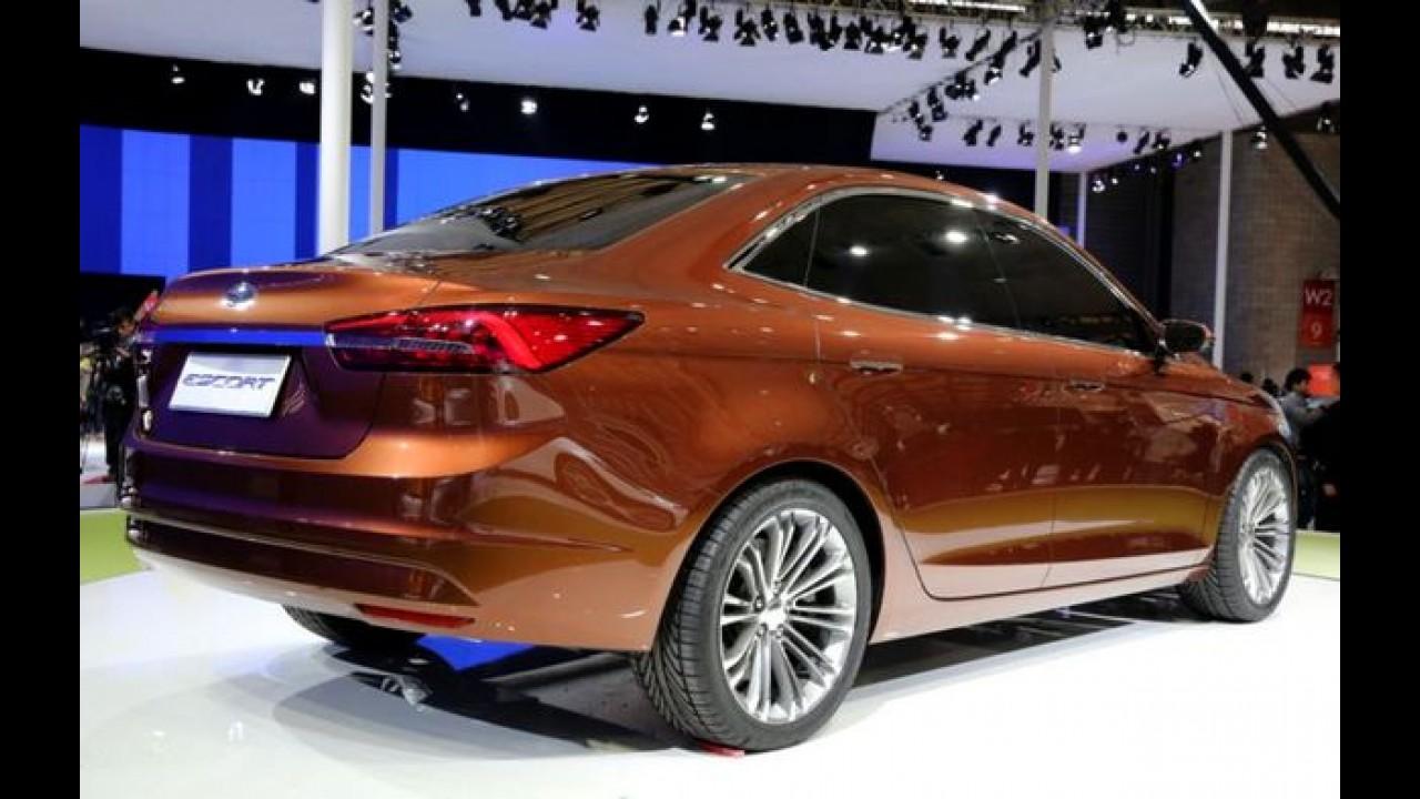 Novo Ford Escort tem imagens de patente vazadas na China
