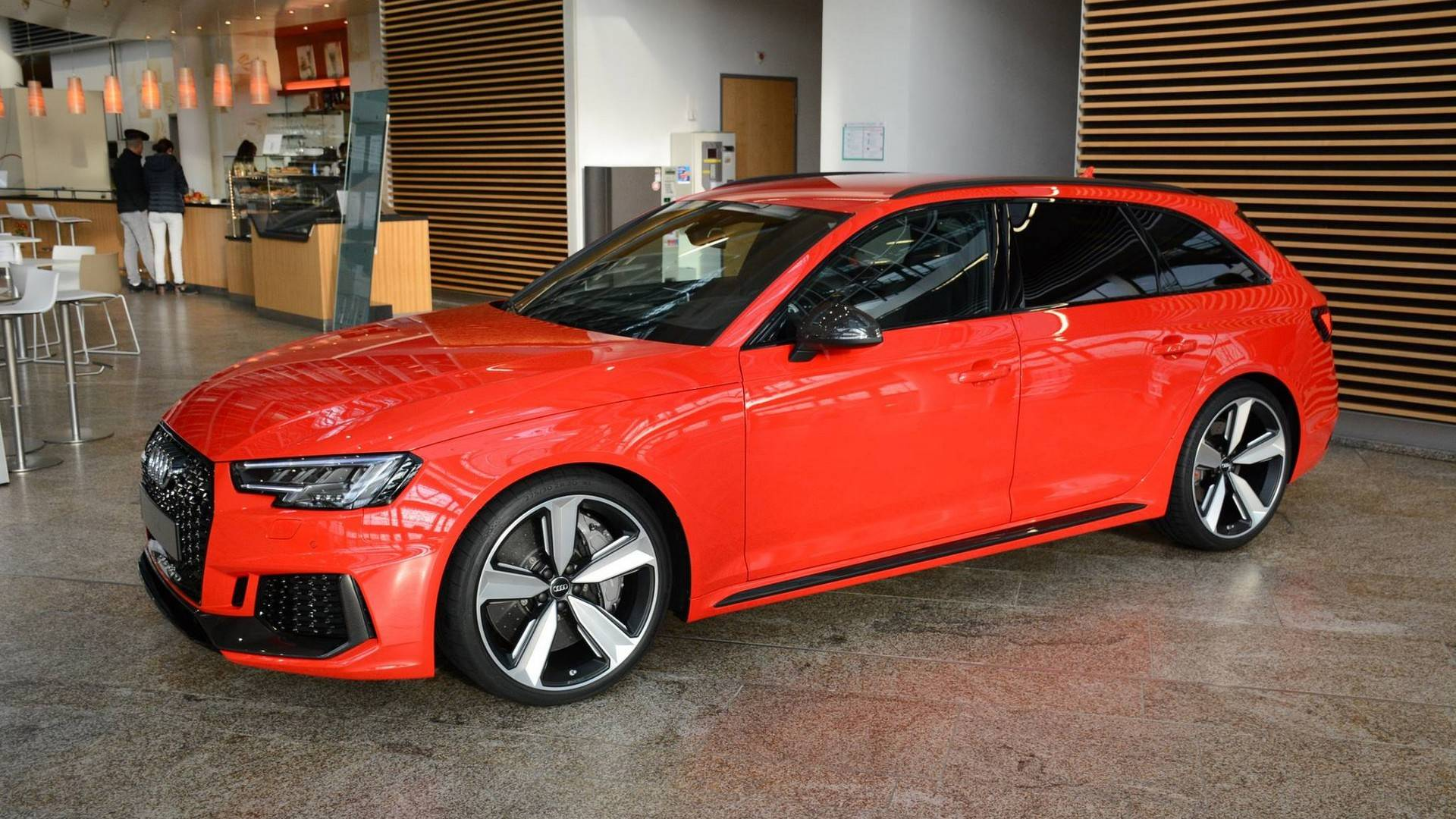 b9 audi rs4 avant revealed in frankfurt with 450 horsepower. Black Bedroom Furniture Sets. Home Design Ideas