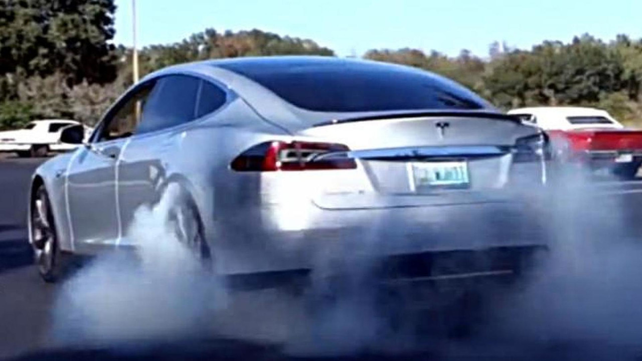 2013 Tesla Model S burnout video screenshot
