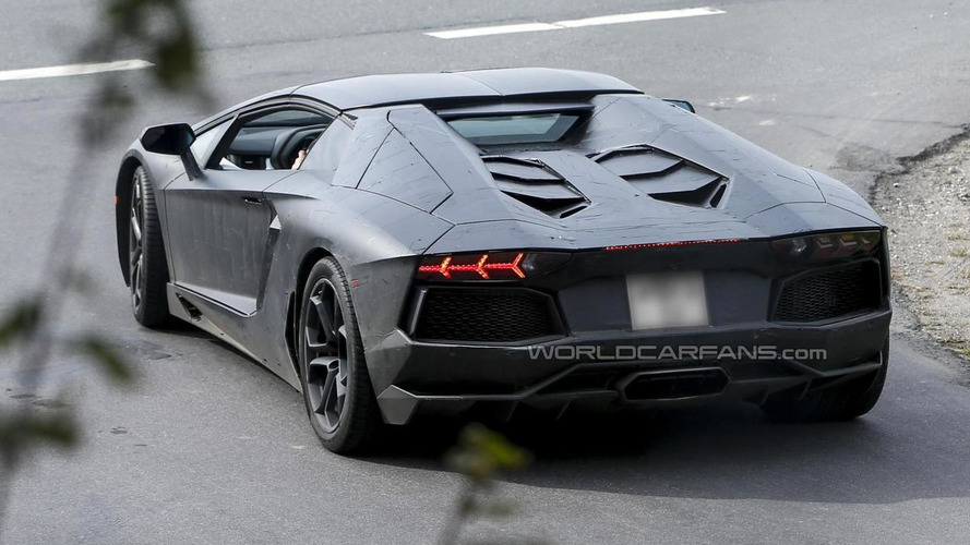Lamborghini Aventador Roadster to be unveiled on November 12th in Miami ?