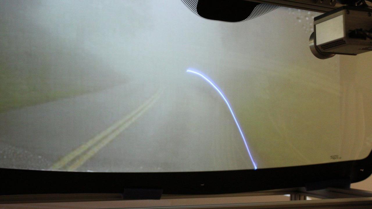 GM next-generation head-up display technology 17.03.2010