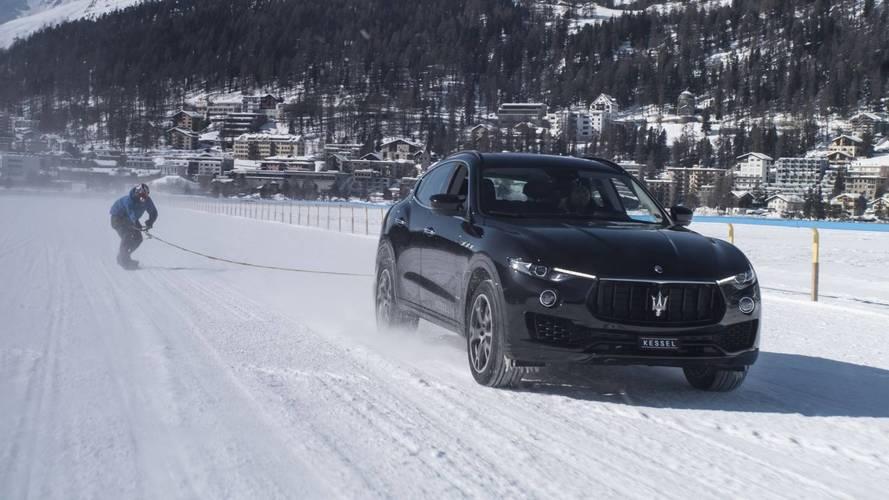 Un snowboardeur signe un record grâce au Maserati Levante