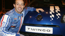 Renault Twingo & Stunt Driver Terry Grant set New World Record