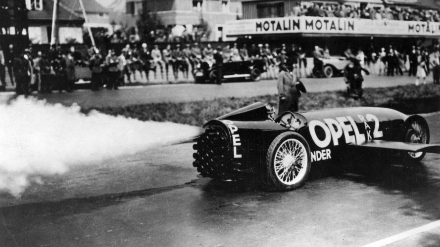 90 Years Ago, The Opel Rak 2 Hit 148 MPH Using Rocket Fuel