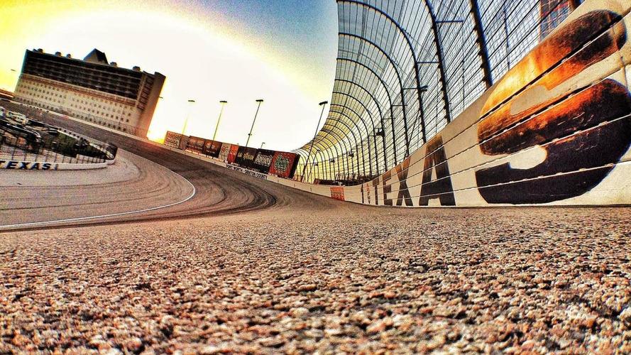 Texas Motor Speedway boss says Ecclestone 'foolish'