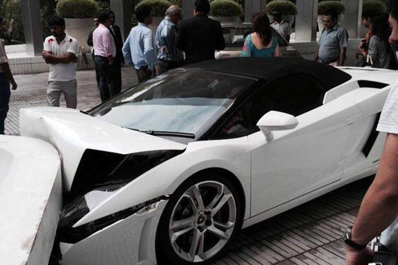 A Valet Played Car-Pinball with this Lamborghini Gallardo and Lost