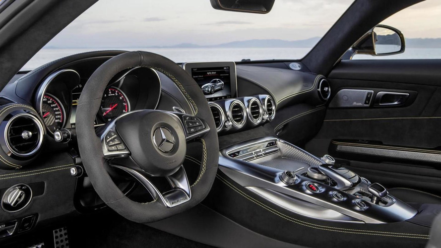Mercedes says the AMG GT will give the Porsche 911 nightmares [video]