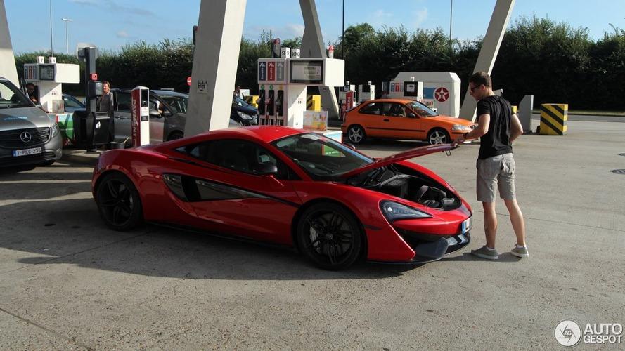 McLaren-Honda racer Stoffel Vandoorne spotted with his McLaren 570S