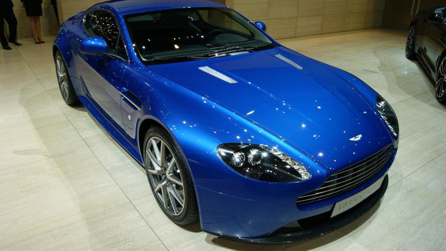 Aston Martin V8 Vantage S officially unveiled