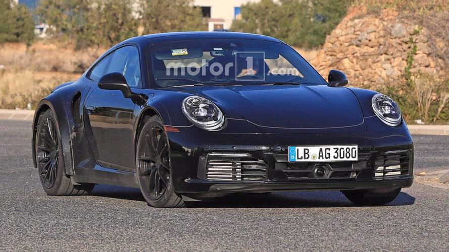 Next-generation Porsche 911 Turbo spied on the street