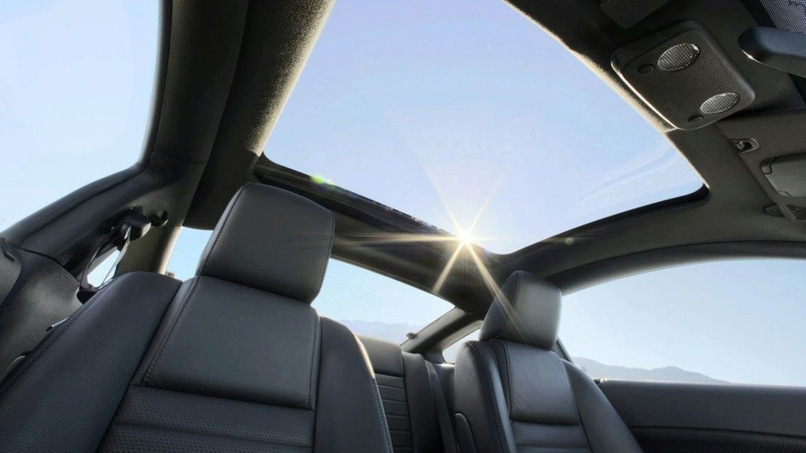 Ford Mustang Gets New Factory-Fitted Glass Roof