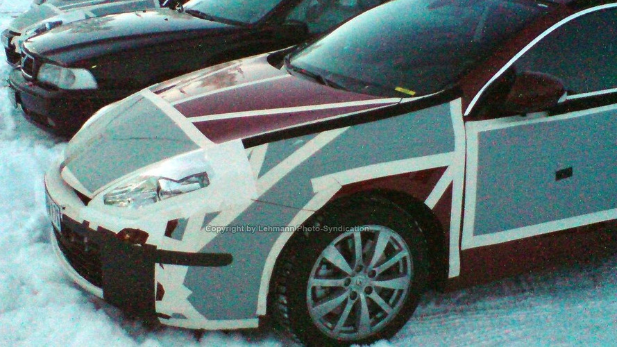 Renault Laguna Coupe First Spy Photos