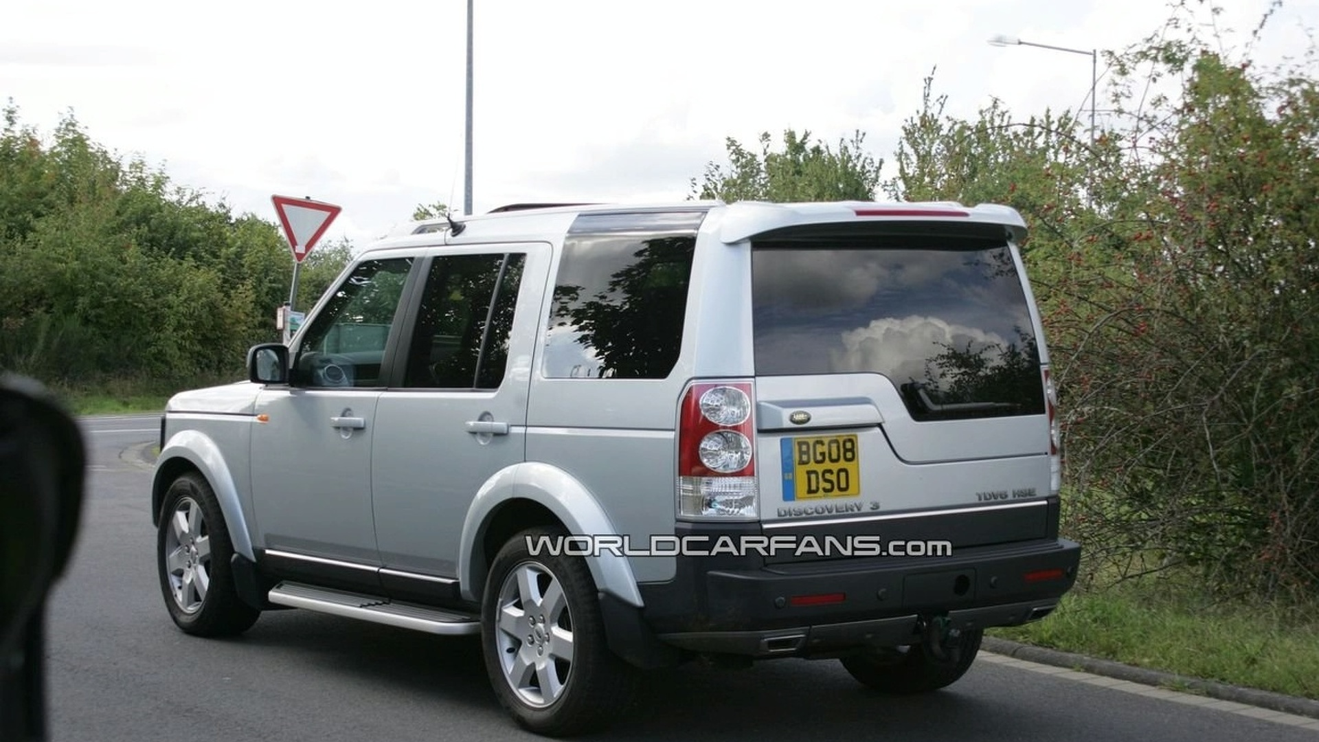land rover discovery lr3 facelift first photos. Black Bedroom Furniture Sets. Home Design Ideas