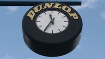 The famous Dunlop clock at the Donington start/finish straight, 27.07.2003, Castle Donington, UK