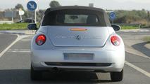 2013 VW Beetle Cabrio spied - 29.11.2011