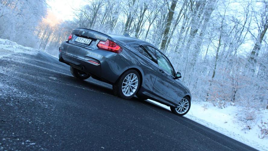 BMW M240i xDrive Coupé: álruhába bújt őrült