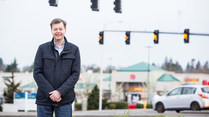 Man Fined For Uncovering Incorrectly Timed Red Light Cameras