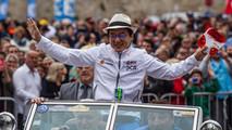 Jackie Chan comemora vitória em Le Mans