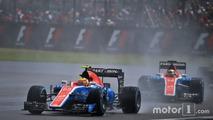 Rio Haryanto, Manor Racing MRT05 leads team mate Pascal Wehrlein, Manor Racing MRT05