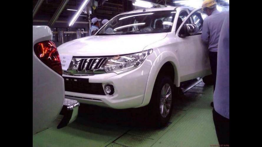 Segredo: nova Mitsubishi L200 é flagrada sem disfarces em linha de montagem