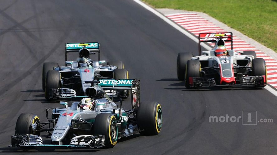 Hamilton flips off fellow racer during Hungarian GP