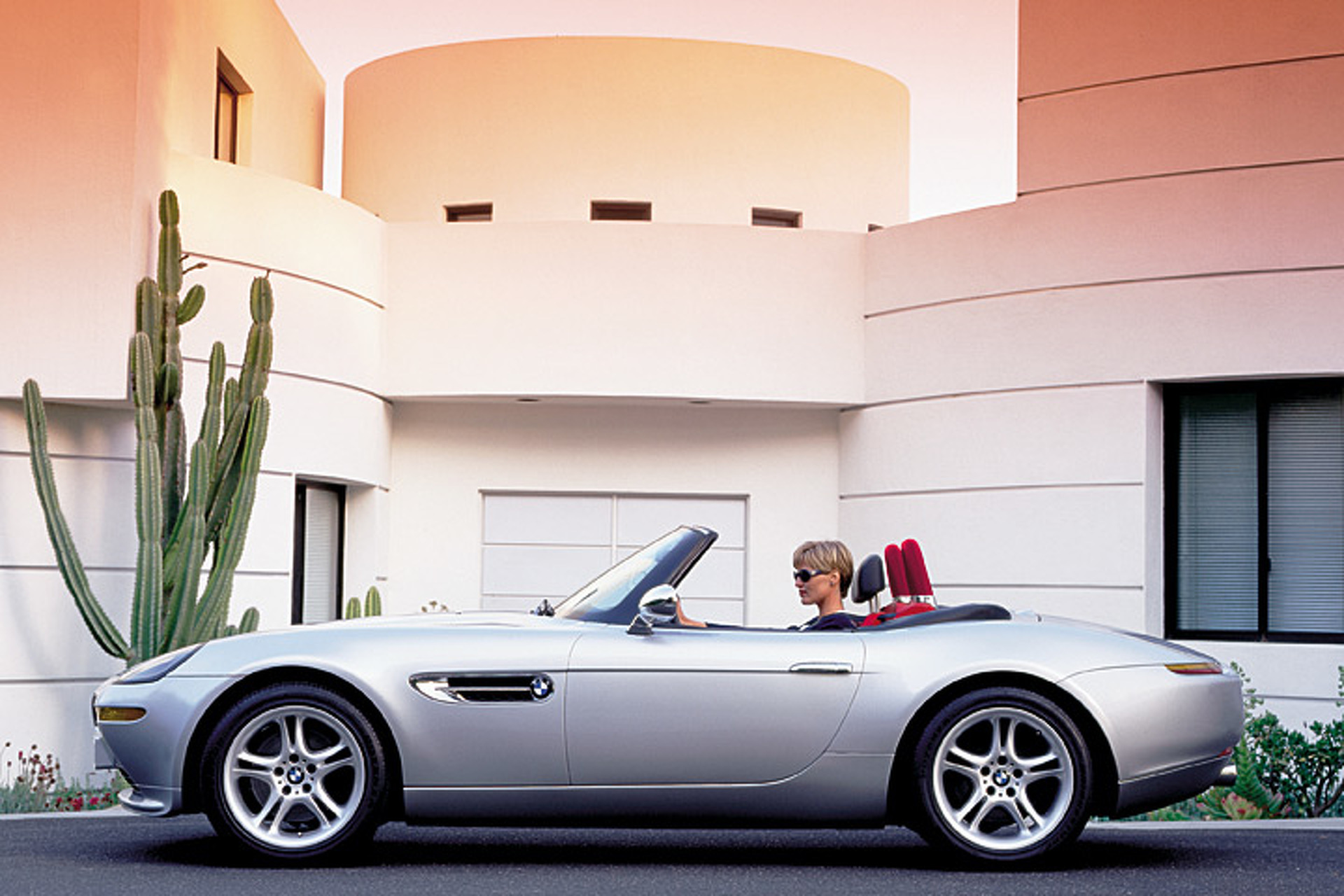 Investing in an Automobile? The BMW Z8's Stock is Rising