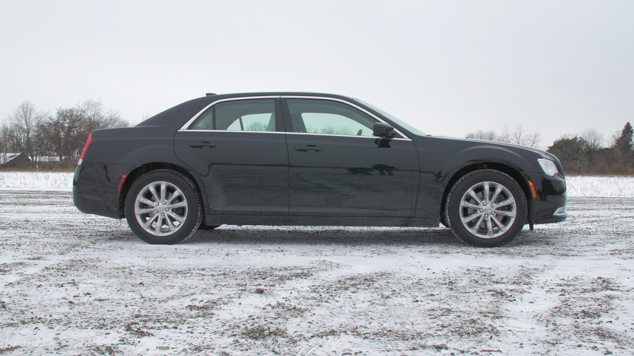 2016 Chrysler 300 Limited AWD | Why Buy?