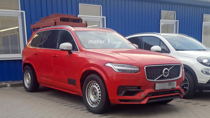 Photos espion - Qu'annonce cet étrange mulet de Volvo XC90 ?