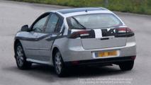 SPY PHOTOS: Renault Laguna Sedan