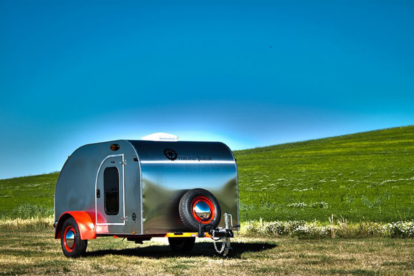 This Camping Trailer Packs Classic Looks Without Breaking the Bank