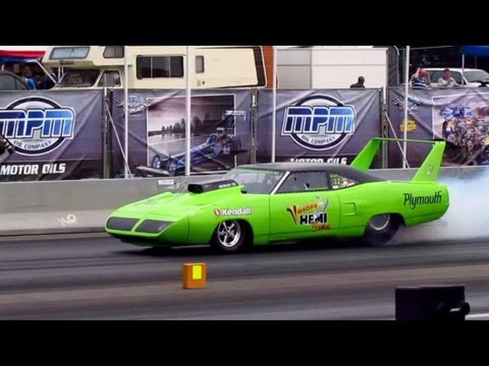 Plymouth Roadrunner Superbird dragster MASSIVE BURNOUT @ Dragracing Drachten 2011 [720p HD]