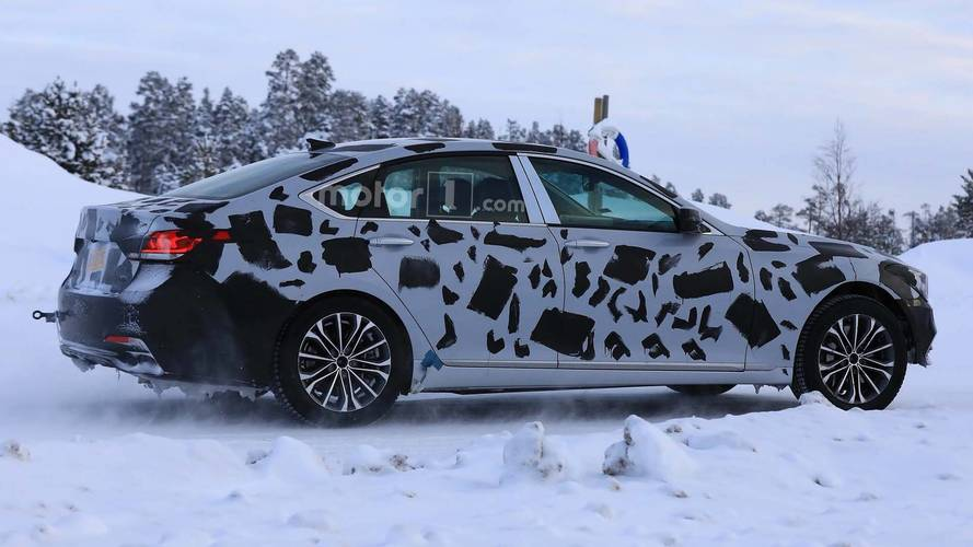 Genesis G80 test mule spy photo