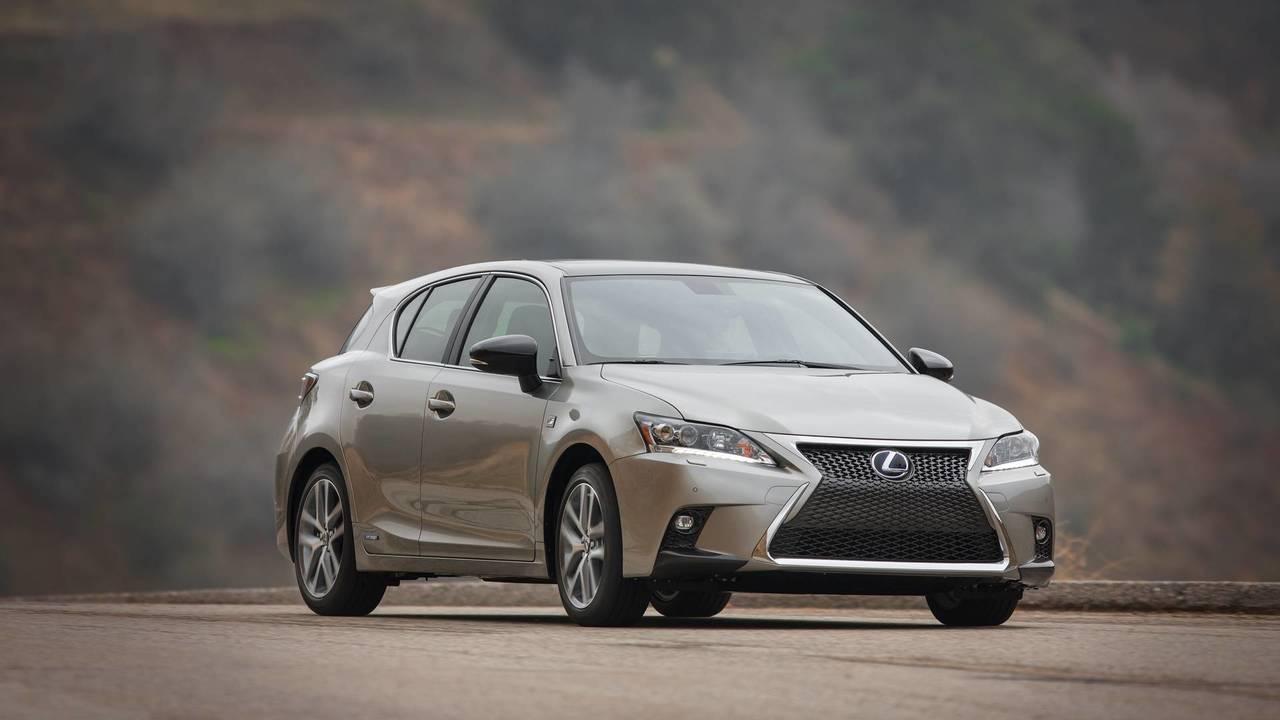 13. Luxury Hybrid Car: Lexus CT 200h.