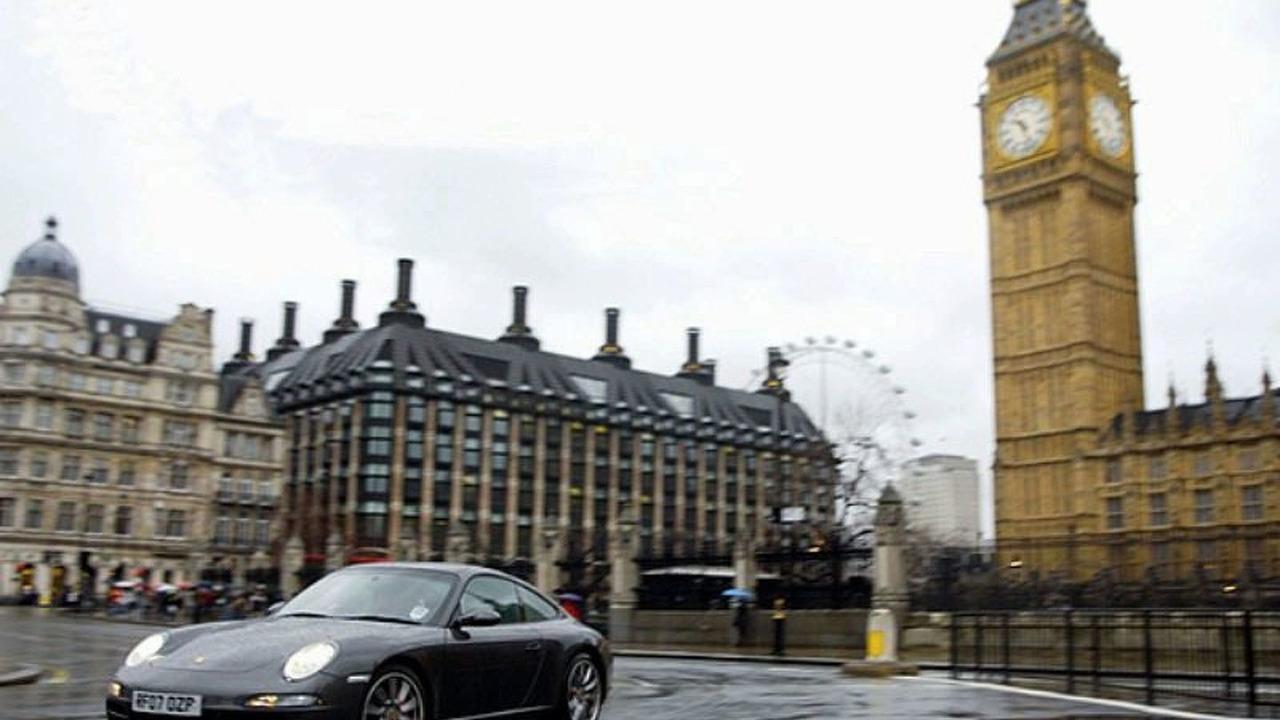 Porsche 911 in Westminster, London
