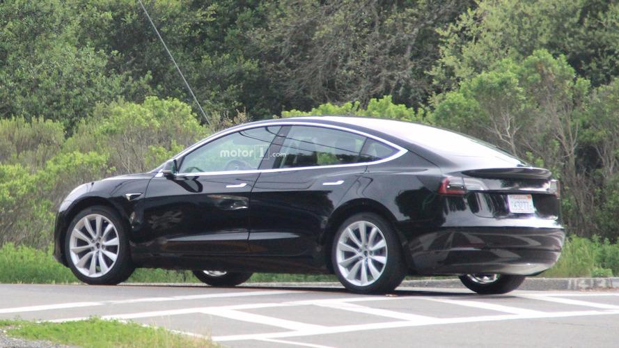 Egy átlagos Tesla Model 3 ára az 50 ezer dollárt is elérheti